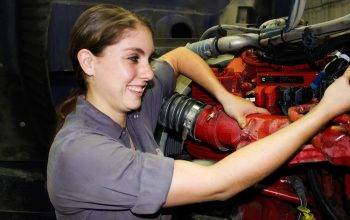 Kvinnliga mekaniker kan också!